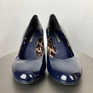 Arturo Chiang   Navy Patent Leather Pumps   8.5